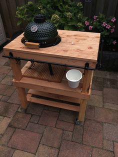 Green Egg Mini, Bbq Egg, Bbq Stand, Mini Grill, Grill Table, Kamado Grill, Wood Projects, Barbacoa, Wood Working