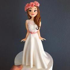 Beautiful Bride - cake by Deniz Ergün - CakesDecor Fondant Cake Toppers, Fondant Figures, Fondant Cakes, Fondant Bow, Fondant Flowers, Cupcake Toppers, Cake Topper Tutorial, Fondant Tutorial, Wedding Cake Prices