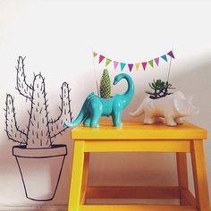 恐竜と植物と暮らそう #flyingtiger #tigerstores #notforfood #plantpot #tigerstores @_catwhiskers
