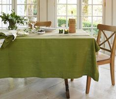 Easy Care Nice Various shapes sizes Damask Rose Tablecloths Scallop Edge