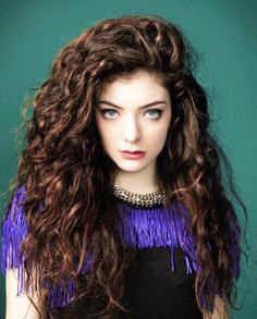 Lorde #curlyhair || => @Lilfefe49 (Follow)