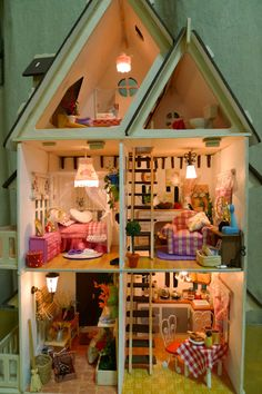 https://flic.kr/p/coegFW | DIY dollhouse | with lights on