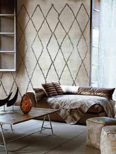 Signoria, beni ourain rug wallpaper (Christian Benini via Wall and Deco)
