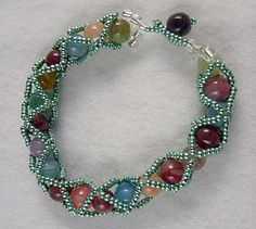Criscross Beaded Bracelet Tutorial - maybe use smaller seed beads
