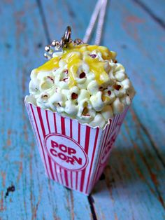 Amazingly detailed popcorn necklace by kawaiibuddies on Etsy.  This carnival food jewellery collection is unreal!