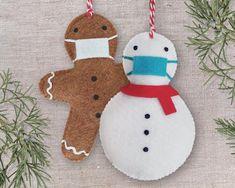 Sewn Christmas Ornaments, Gingerbread Ornaments, Handmade Christmas Decorations, Snowman Ornaments, Gingerbread Man, Felt Snowman, Handmade Ornaments, Homemade Christmas Gifts, Christmas Diy
