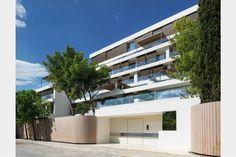 Apartment building in Vouliagmeni | EK-MAGAZINE