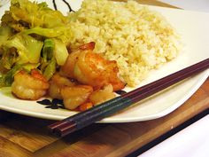 habachi shrimp recipe--SUPER SIMPLE & OMG I LOVE this! serve with rice & it really tastes like our favorite Japanese! Just need shrimp and soy sauce. Asian Recipes, New Recipes, Healthy Recipes, Favorite Recipes, Meatless Recipes, Chinese Recipes, Chinese Food, Japanese Food, Drink Recipes