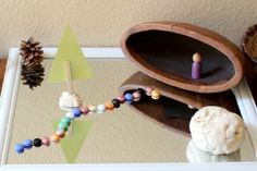 An open-ended invitation to play with loose parts designed to encourage toddlers to create a forest, explore sensory elements, engage in imaginative play, and practice beginning storytelling. Activities For Kids, Crafts For Kids, Small World Play, Toddler Art Projects, Learning Through Play, Creative Play, Imaginative Play, Pretend Play, Mommy And Me