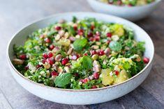 Bulgursalat med grønkål og granatæble