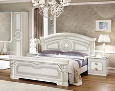 Camelgroup Italy Aida White/Silver Classic touch elegant traditional queen bed This panel bedroom set in Italian Bedroom Furniture, Bedroom Furniture Sets, Bed Furniture, Bedroom Sets, Super King Bed Frame, King Bedroom, White Bedroom, Upholstered Platform Bed, Queen Size Bedding