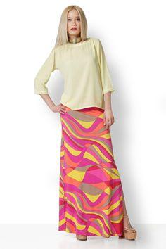 Μπλούζα από εξαιρετική ζωρζέτα με μανίκι τρουακάρ. Ιδανική για όλες τις περιστάσεις. Δροσερή και θηλυκή, ταιριάζει με τζιν ή φούστα pencil και φυσικά με την πολύχρωμη μάξι φούστα μας. Είναι διαθέσιμη και σε κοραλί. Skirts, Fashion, Moda, Fasion, Skirt, Fashion Illustrations, Fashion Models, Skirt Outfits