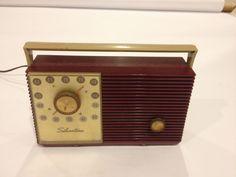 Vintage Silvertone Bakelite Tube Radio Red