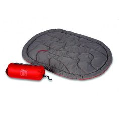 At only 14oz, this compressible Ruffwear dog bed is ideal for backpacking or camping...and even fits in all sizes of our Palisades Pack™, so your dog can carry his own gear with ease.