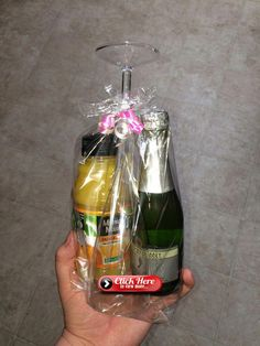 Mini Mimosa Kit I made as a graduation gift for my dental hygiene students. So fun and easy! 1 mini Barefoot Brut Cruvee Champagne, 1 mini orange juice, 1 plastic champagne glass from the Dollar Tree and a plastic gift bag from the Dollar Tree. Christmas Baskets, Diy Christmas Gifts, Simple Christmas, Holiday Gifts, Coworker Christmas Gifts, Craft Gifts, Diy Gifts, Dental Hygiene Student, Alcohol Gifts