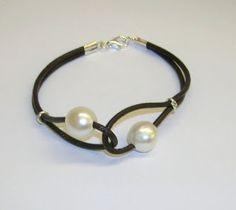 bracelet                                                                                                                                                                                 Más