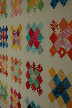 Really like these traditional quilt patterns Granny Square Quilt, Granny Squares, Sewing Crafts, Sewing Projects, Traditional Quilt Patterns, Quilt Tutorials, Pattern Books, Machine Quilting, Quilt Making
