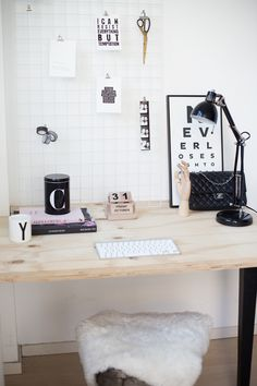 Home office inspiration. Home Office, Office Workspace, Office Decor, Office Ideas, Workspace Inspiration, Home Decor Inspiration, Wardrobe Room, Big Houses, Office Interiors