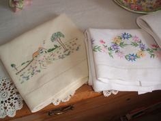 I love embroidered linens. Takes me back to my grandma's house. Love Vintage, Vintage Farm, Vintage Images, Red Cottage, Cozy Cottage, Embroidered Pillowcases, Curiosity Shop, Tea Cozy, Linens And Lace