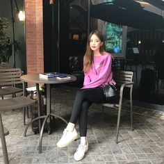 something special ♡ Korean Fashion Summer, Korean Girl Fashion, Bora Lim, Something Special, Ulzzang Girl, Different Styles, Asian Beauty, Cute Outfits, Poses