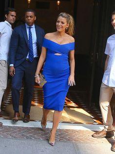 Ajustada Celebrity Maternity Style, Summer Maternity Fashion, Celebrity Style, Pregnancy Wardrobe, Pregnancy Outfits, Pregnancy Style, Blake Lively Style, Pregnant Celebrities, Pregnant Wedding Dress