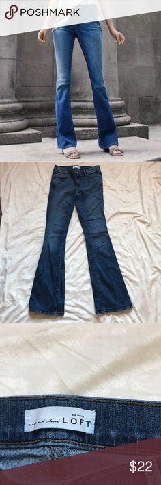 """Women's Loft Sz: 2 Flare Jeans medium wash nwot Perfect Conditon Jeans size: 2  length: 41"""" inseam: 31"""" rise: 8"""" waist: 14.5"""" ( Laid Flat) hips: 16"""" LOFT Jeans Flare & Wide Leg"""