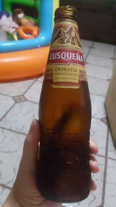 cusqueña - dorada | golden lager Tenerife, Beer Bottle, Drinks, Root Beer, El Dorado, Drinking, Beverages, Teneriffe, Beer Bottles