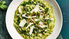 Green Risotto With Pistachio Pesto Vegan Recipes, Cooking Recipes, Yummy Recipes, Filet Mignon Chorizo, Real Simple Recipes, Pistachio Pesto, Vegetarian Entrees, Risotto Recipes, Pesto Recipe