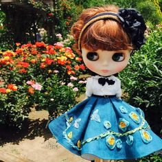 ブログも更新しました💕😊 ちょっとしたお知らせもあります🎁 #blythe #littledress #littledress #dolldresses #handmade #blythedoll #blythedoll #blythedolls #blythedress #blythestagram #blythelover #blythecustom #blytheclothes #blytheoutfit #blythephotography #ブライス #ブライスアウトフィット #ハンドメイド #ドール #ドールアウトフィット Ooak Dolls, Blythe Dolls, Creepy Dolls, Bright Eyes, Doll Clothes, Christmas Ornaments, Disney Princess, Toys, Holiday Decor