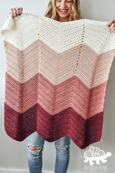 Bebe Baby Blanket Crochet Pattern • Who's Homemade Free Baby Blanket Patterns, Crochet Baby Blanket Free Pattern, Chevron Baby Blankets, Easy Knitting Patterns, Easy Baby Blanket, Crocheted Baby Blankets, Crochet Newborn Blanket, Chevron Crochet Patterns, Modern Crochet Blanket