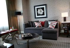 Great room deals for Renaissance Atlanta Midtown Hotel. For the ultimate in modern style from Midtown Atlanta, look no further than the Renaissance hotel. Atlanta Midtown, Atlanta Hotels, Top 10 Hotels, Executive Suites, Renaissance, Cool Pictures, Relax, Couch, Luxury
