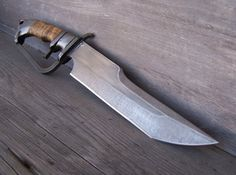 D - Guard, Subhilt Bowie Knife