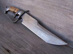 D - Guard, Subhilt Bowie Knife