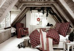 Artisan Inspirations holiday loft bedroom