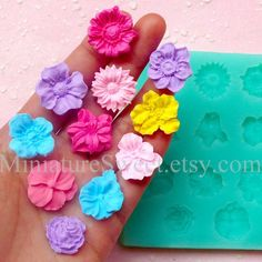 Silicone Mold Flexible Mold (Flower Mold 11pcs) Kawaii Fondant Gumpaste Cupcake Topper Chocolate Mold Resin Clay Jewelry Scrapbooking MD033