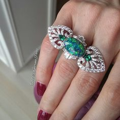 Here is a closer look at the #Boucheron #highjewellery #opal #ring I am wearing in the previous photo. #boucherononkaterinaperezcom