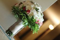 white and pink roses bridal bouquet