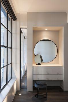 Ben Thomas Builder - walk in robe vanity design.
