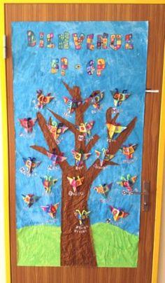 Musette Souricette - Décoration de porte à la manière de .... School Doors, Cycle 3, Art Plastique, Kids Room, Classroom, Animation, Education, Inspiration, Plans