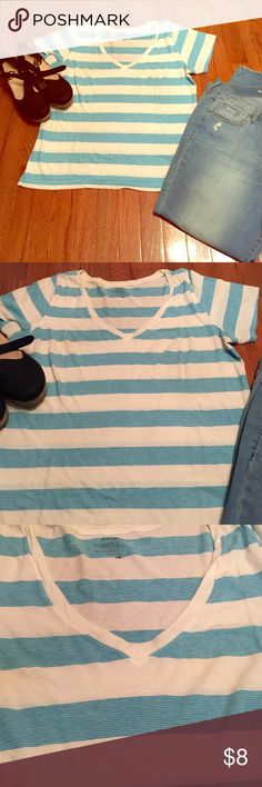 Old Navy Striped V-neck Tee Cute cotton Old Navy v-neck tee shirt with thick white stripes and thin blue lines of stripes. Perfect for your favorite jeans or overalls! Ideal under a denim jacket. 20 inches across bust and 26 inches in length shoulder to hem. EUC. Old Navy Tops Tees - Short Sleeve