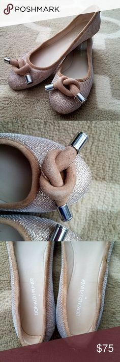 "DONALD J PLINER Gracie Gold Knot Ballerina Flats The Donald J Pliner Gracie flat makes an entrance in shimmery fabric with a sculptural suede knot. Metallic netting fabric with suede trim. Silvertone hardware. Front knot detail with metal tips. Reinforced backstay with ring detail. Round toe. 1/4"" flat stacked heel. Padded leather insole for comfort. Leather lining and sole. Size is 7.5 EUC. As you can see from the soles, these look barely worn!  Thank you for looking and please check out my…"