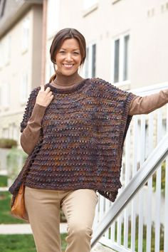 Say hello to your new autumn go-to. The Soft and Sophisticated Poncho is the perfect combination of sleek style and cozy comfort. This delicious knit poncho pattern features warm earth tones and an interesting stitch design for a stylish look. Gilet Crochet, Knitted Poncho, Knit Or Crochet, Knitted Shawls, Crochet Shawl, Crochet Style, Easy Crochet, Poncho Knitting Patterns, Loom Knitting