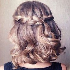 If you want a show-stopper hairstyle, waterfall braid hairstyle is the one for you. Waterfall braid hairstyle is truly a statement styles. This style is the perfect romantic hairstyle for any occasion. Prom Hairstyles For Short Hair, Braids For Short Hair, Homecoming Hairstyles, Pretty Hairstyles, Wedding Hairstyles, Braided Hairstyles, Curly Short, Romantic Hairstyles, Summer Hairstyles