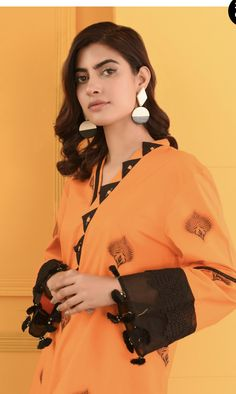 Casual Work Dresses, Stylish Dresses For Girls, Simple Outfits, Simple Dresses, Simple Pakistani Dresses, Pakistani Fashion Casual, Pakistani Dress Design, Fancy Dress Design, Stylish Dress Designs