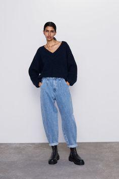 Baixe o app KeepCloset na sua AppStore para criar e salvar seus looks. Outfit Jeans, Slouchy Outfit, Slouchy Pants, Jeans Outfit Winter, Winter Outfits, Slouch Jeans, Pantalon Slouchy, Jean Outfits, Fashion Outfits