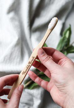 Aktiivihiiltä ja hammaslankaa - hampaiden hoitaminen ekologisesti | LUONNONKAUNIS  Luonnonkosmetiikka / vegaanikosmetiikka / zero waste / hammasharja / biohajoava / ekologinen Tie Clip, Tie Pin