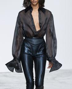 Parisienne: See-Through Runway Fashion, High Fashion, Womens Fashion, French Fashion, Moda Converse, Cool Outfits, Fashion Outfits, Fashion Tips, Fashion Styles