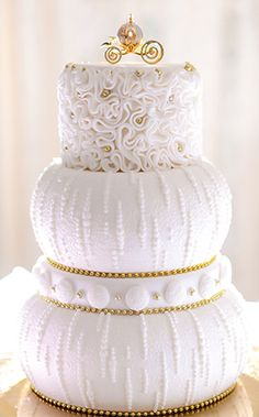 Wedding Cake Wednesday: Cinderella's Golden CarriageEver After Blog | Disney Fairy Tale Weddings and Honeymoon