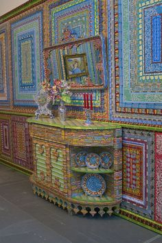HUGE SCULPTURES MADE FROM LOTTERY TICKETS