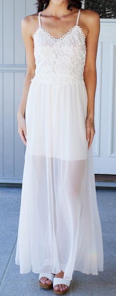 White Chiffon Maxi - Crochet Floral at Top Modest Dresses, Cute Dresses, Summer Dresses, Long Dresses, Pretty Outfits, Beautiful Outfits, Cute Outfits, Chiffon Maxi Dress, Dress Skirt